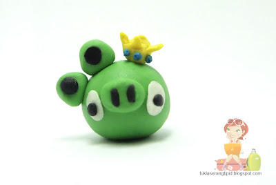 clay angry bird  green pig handcrafts arts creative DIY