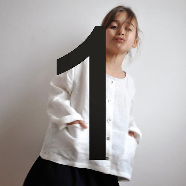 http://www.vdj-boutique.com/blouses/3588-blouse-enfant-lin-blanc.html