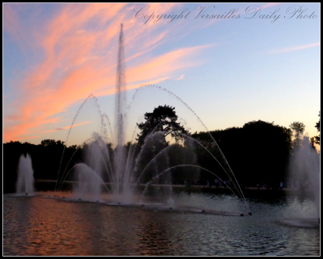 Versaillesdailyphoto blog les fables de la fontaine sur for Bassin miroir
