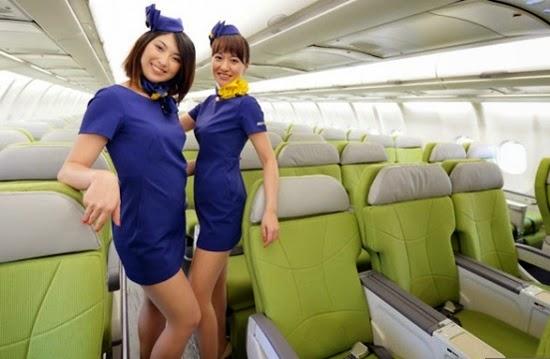 Pramugari cantik Skymark Airlines