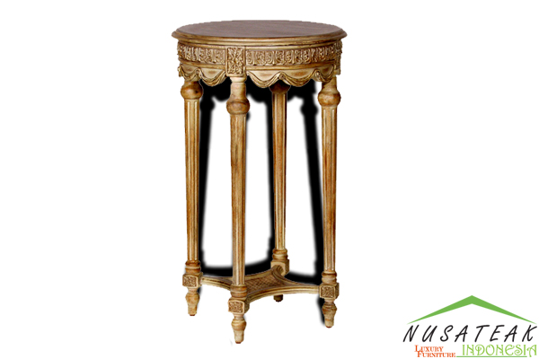 Bitung Carved Side Table - Nusa Teak