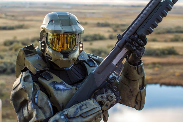 master chief cosplay with shotgun