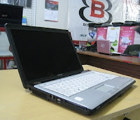 jual laptop seken toshiba satellite m200