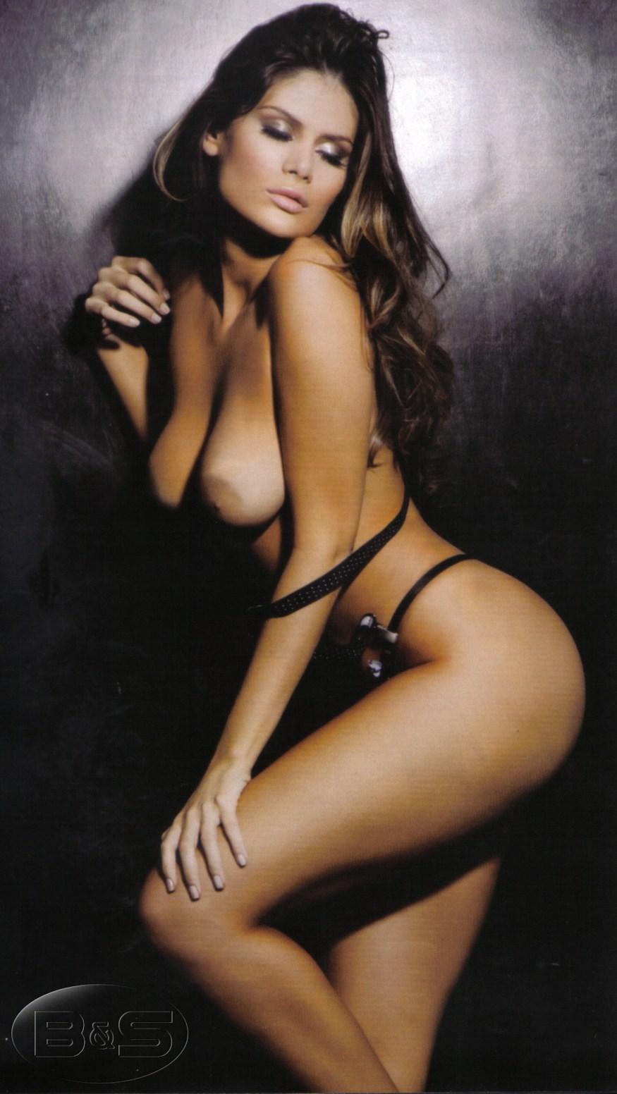 Playboy Capa Edicao Outubro A Gata Do Bbb Morena Mais Linda