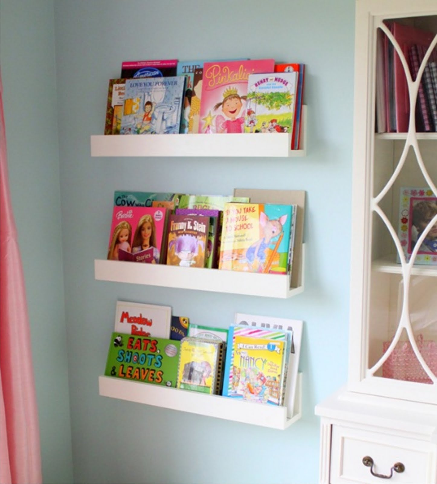 Winks daisies diy wall shelves for Easy diy shelves