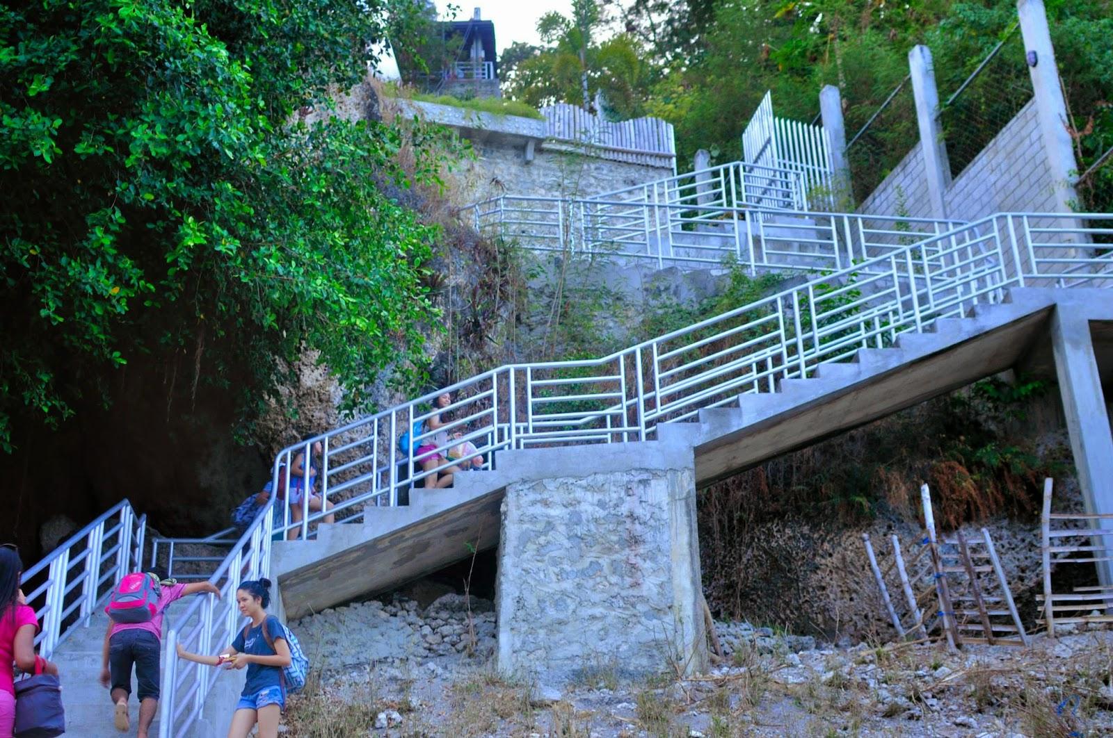 Tan awan cangcua ay beach modern villa de luxe oslob for Villa de luxe moderne