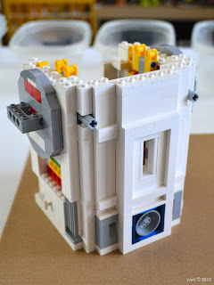 lego r2d2 - the two very imporant control rods in r2's back