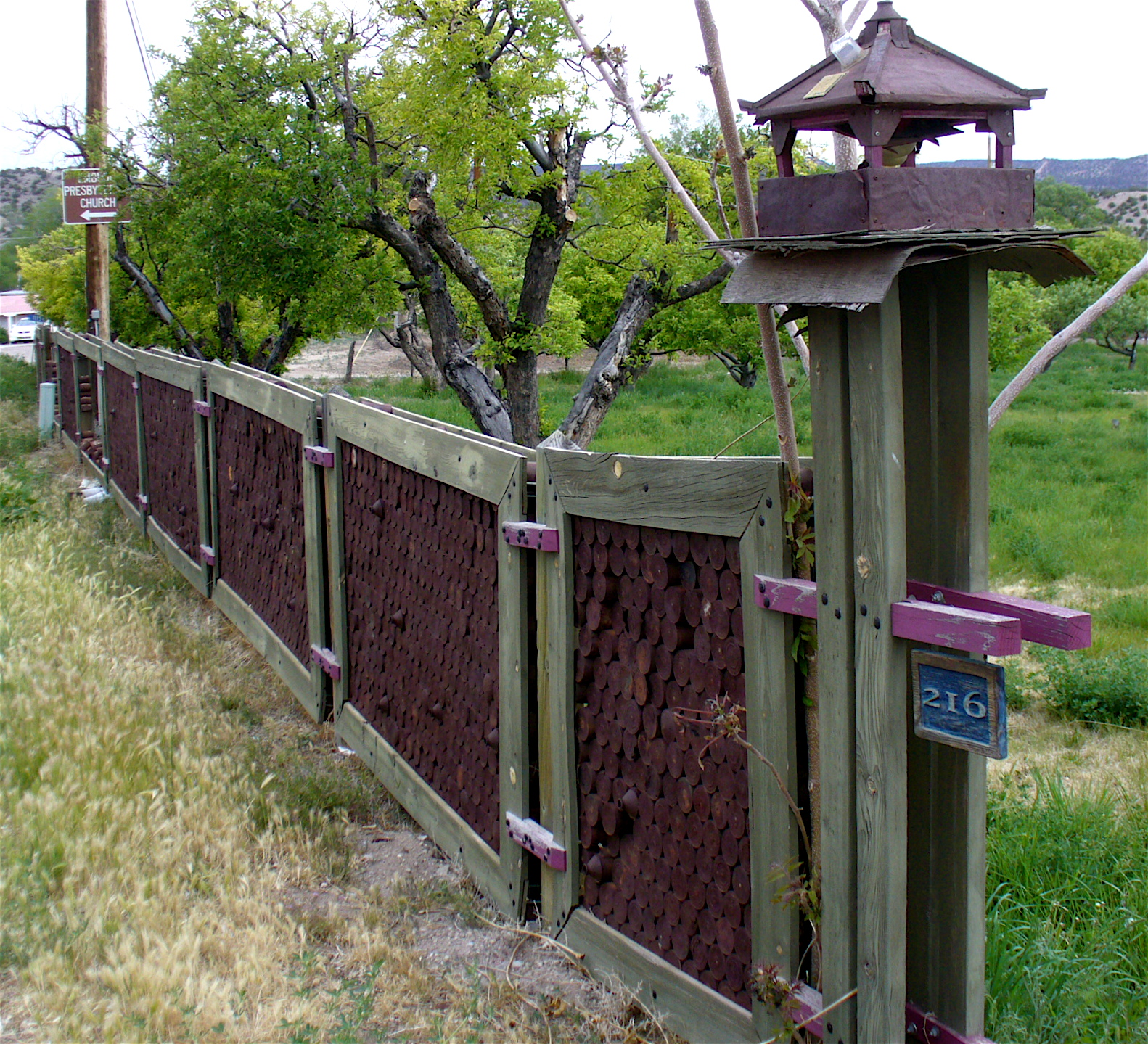 Alt build blog fence and wall ideas for Cool fence ideas