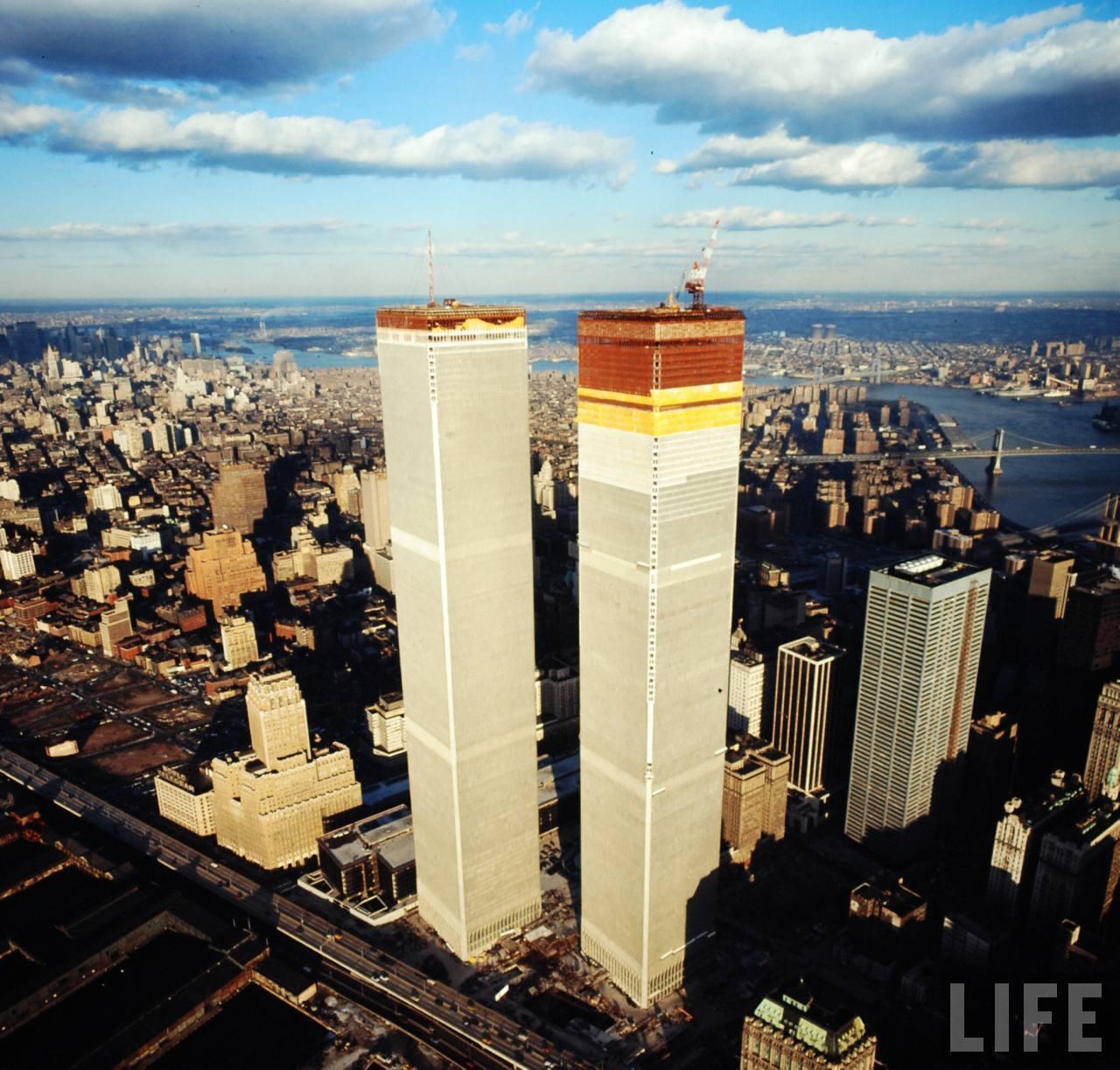 World Trade Center Construction : Stunning photographs captured the world trade center under