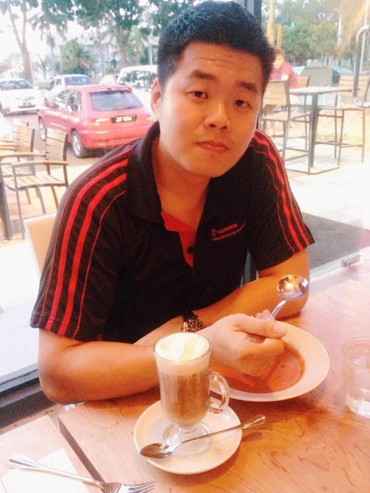 Alen Tan 陳學龄 ; Bob's Kitchen @ Danga Utama, Johor Bahru, Johor, Malaysia