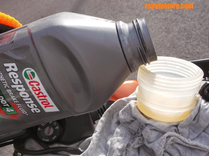 Refilling with new brake fluid