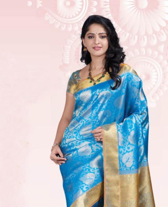 anushka at chennai silks glamour  images