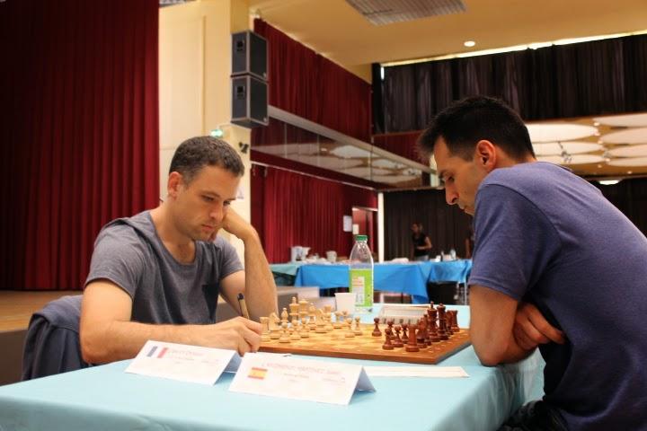 Le GMI Christian Bauer (2649) a concédé une nulle rapide à Sébastien Mazé lors de la ronde 6 du Master de Montpellier 2014 - Photo © Chess & Strategy