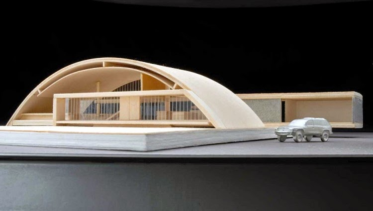 Casa arco arquitectura eficiente y sostenible maziar for Casa minimalista maqueta