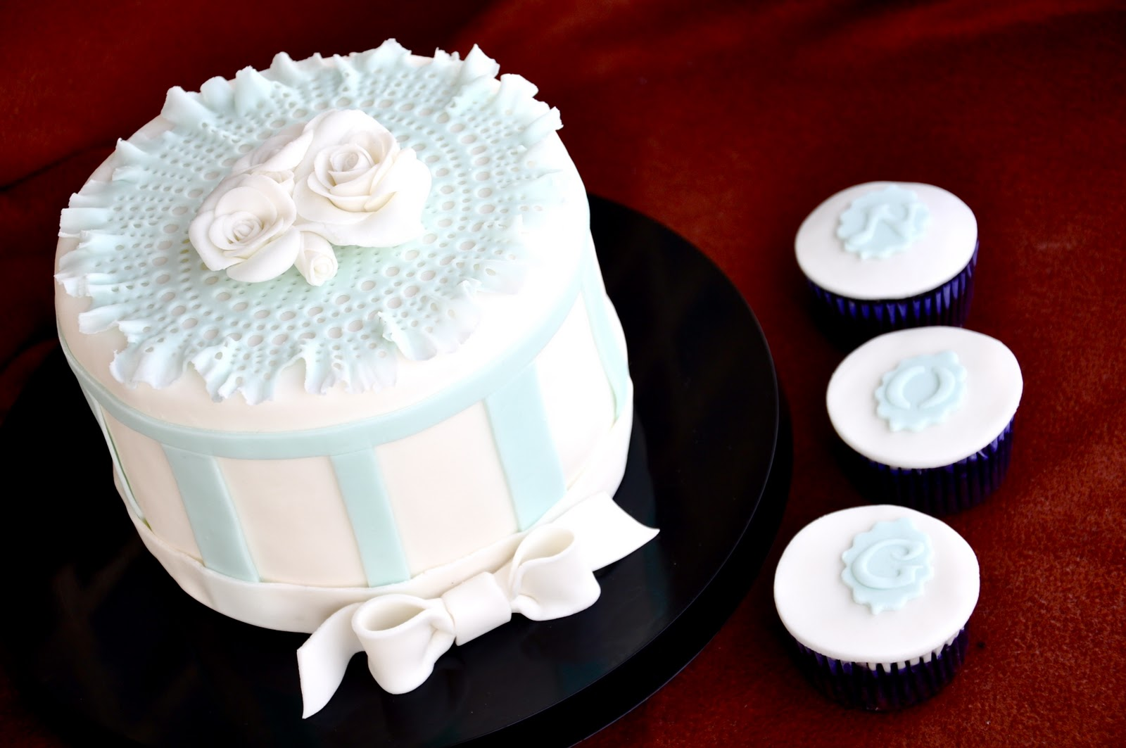 Cakes by Ms. Apple: Web Shower for my Sister\'s Photography Website!!!