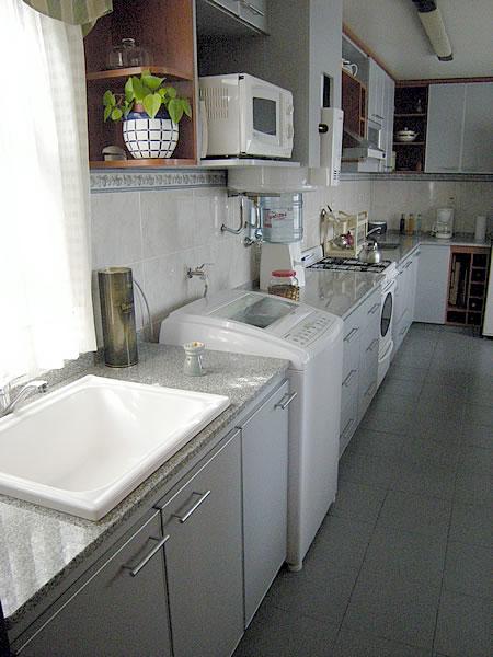 Amobla tu cocina muebles de cocina for Lavaderos de cocina
