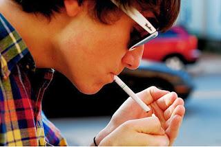 boy smoking cigarette-Cigarette shayari