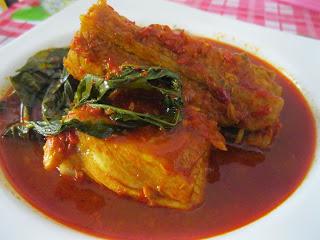 Gulai Ikan Tongkol Asam Padeh Khas Padang