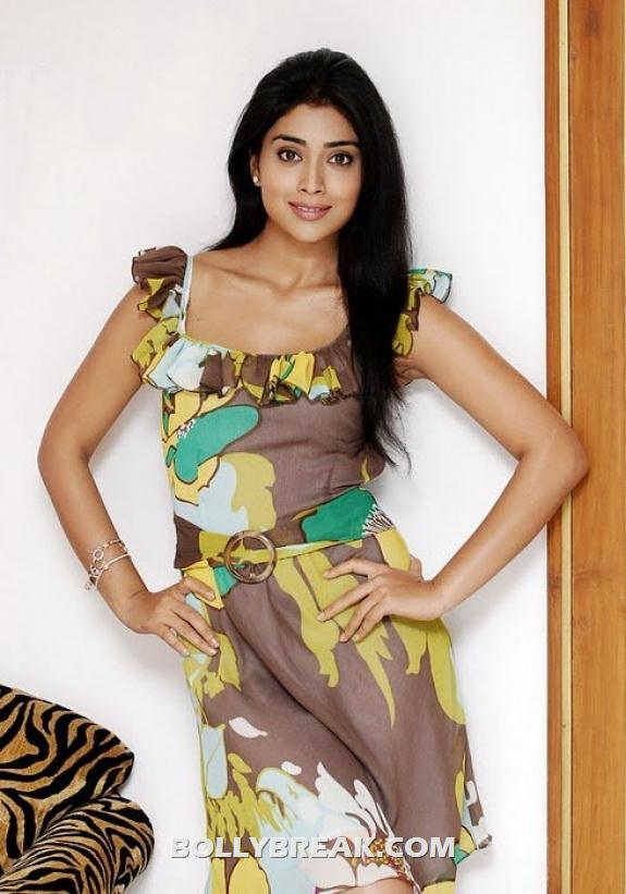 Shriya Saran looks gorgeous in this printed floral and leaf dress - Shriya Saran New photos