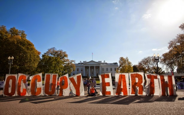 Demonstrators gather during a protest against the Keystone XL Pipeline outside the White House on Sunday, November 6, 2011, in Washington. (Credit: AP Photo/Evan Vucci) Click to enlarge.