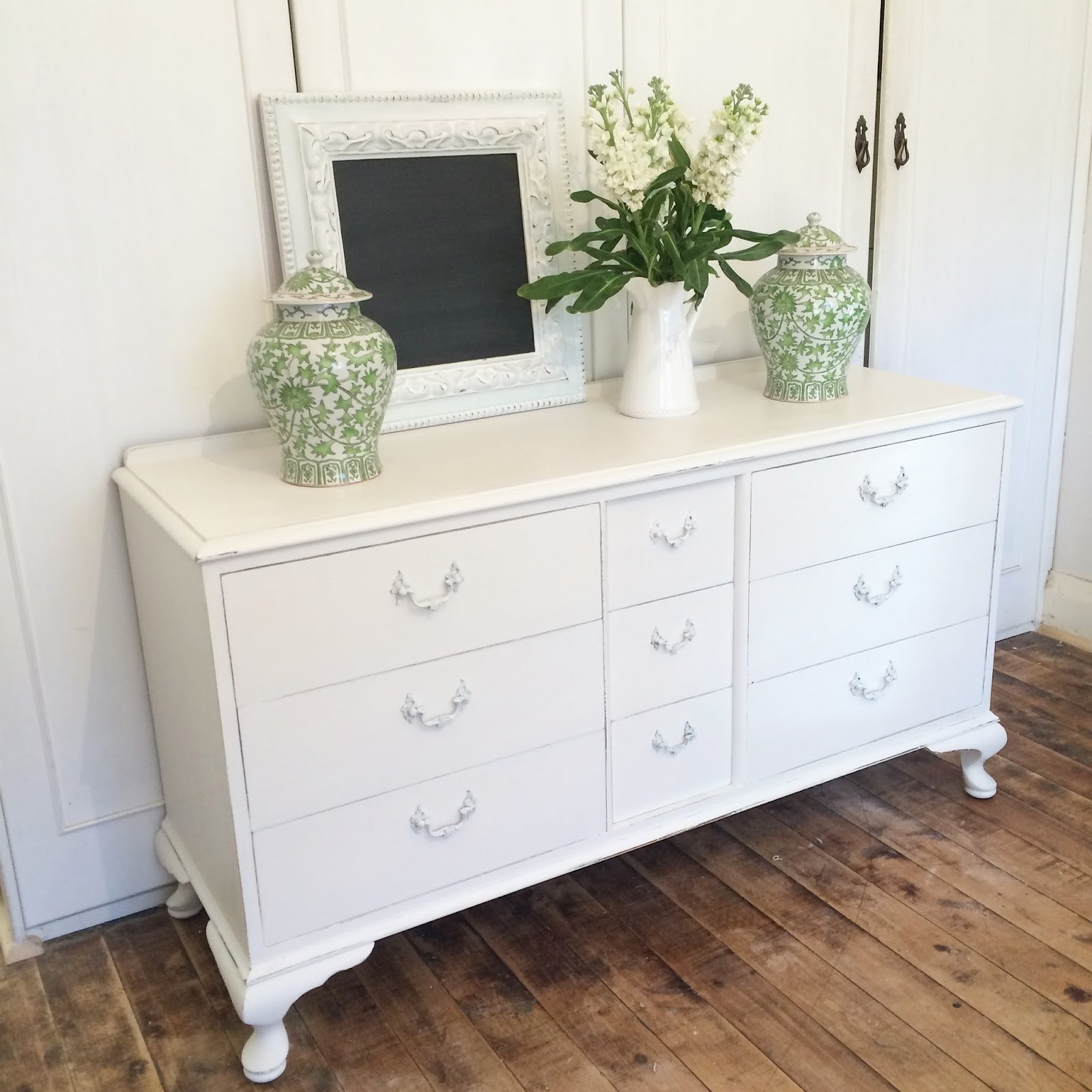 Bedroom Couch: Lilyfield Life: Painting Bedroom Furniture White