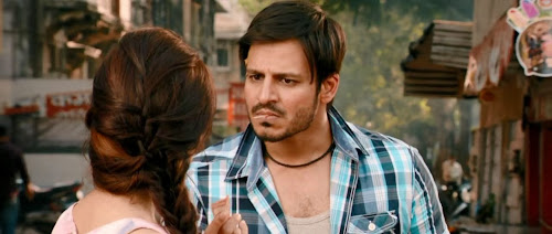 Screen Shot Of Hindi Movie JAYANTABHAI KI LUV STORY (2013) Download And Watch Online Free at worldfree4u.com