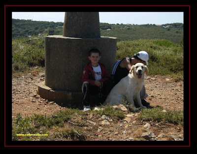Dog Trekking to Guincho