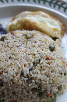 Azie Kitchen: Nasi Goreng Ikan Masin Ala Thai
