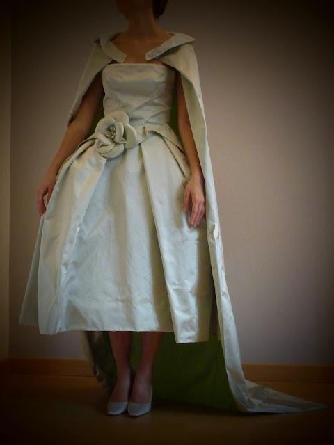 robe de mariée en satin duchesse par couturière 78