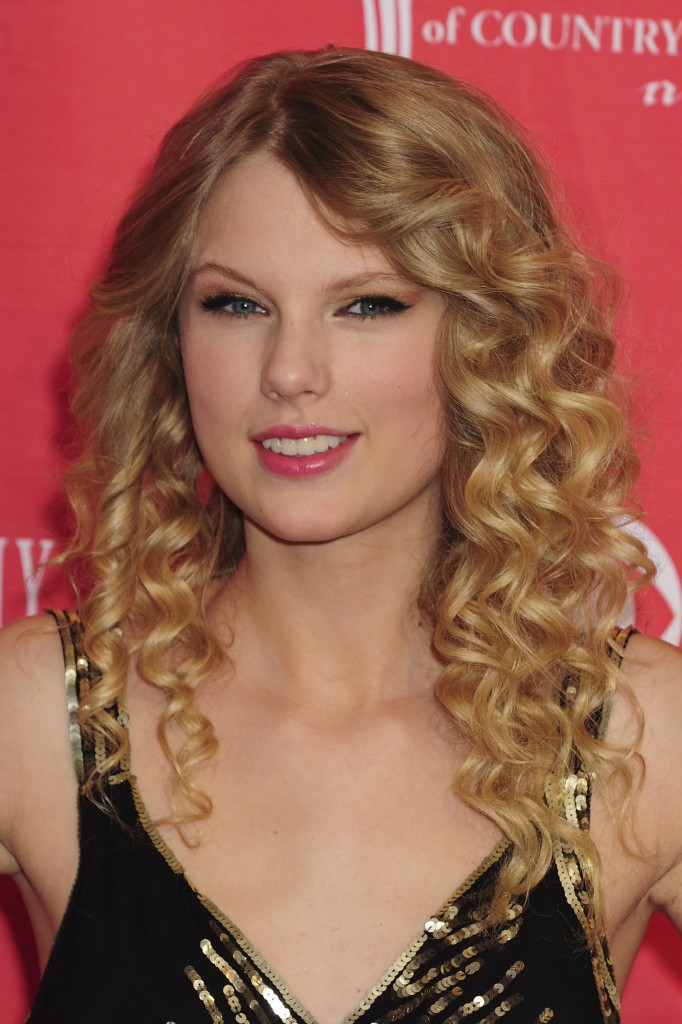 taylor swifts curly long hair male models picture
