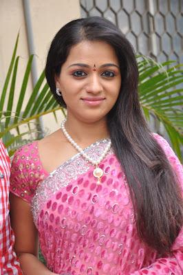 reshma new saree cute stills