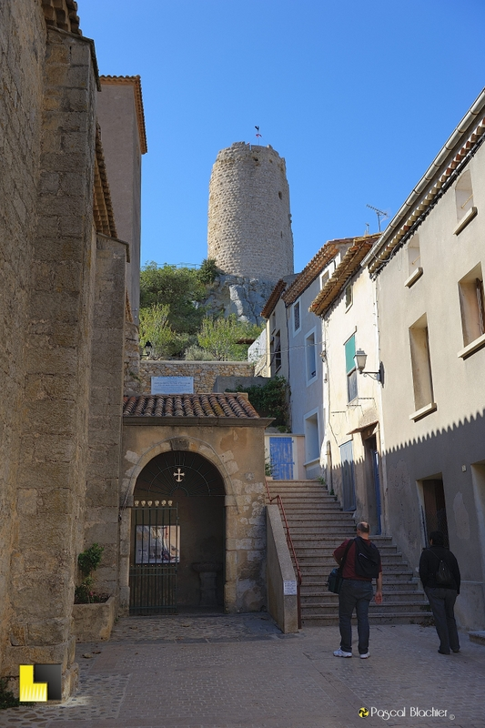 gruissan la montée du château photo blachier pascal
