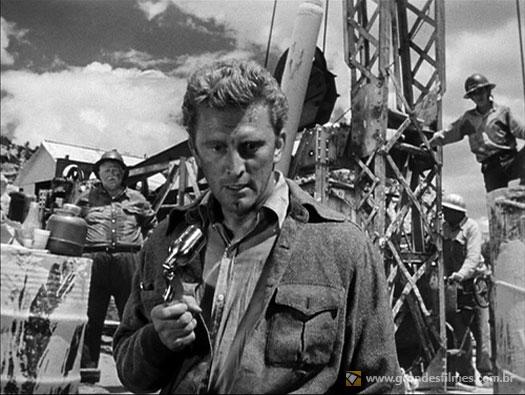 Kirk Douglas em A Montaha dos Sete Abutres, de Billy Wilder