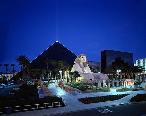 Luxor (Las Vegas) x3d 4408 rooms