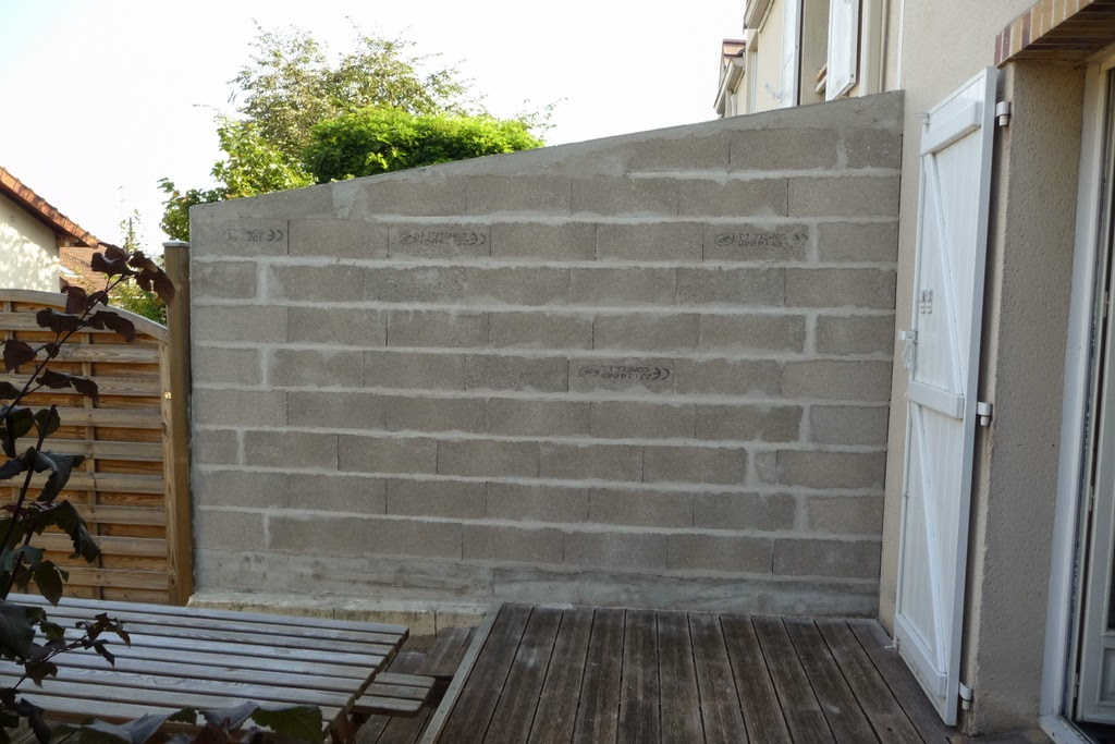 Le blog de nath nouveau mur - Mur de separation entre voisin non mitoyen ...