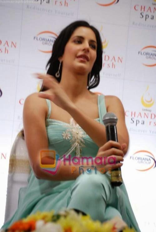 Katrina Kaif launches Chandan Sparsh Spa in Lokhandwala on 9th Jan 2009