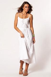 beyaz uzun elbise modeli