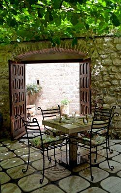 Riblji restoran No.1 u Kotoru / Crna Gora