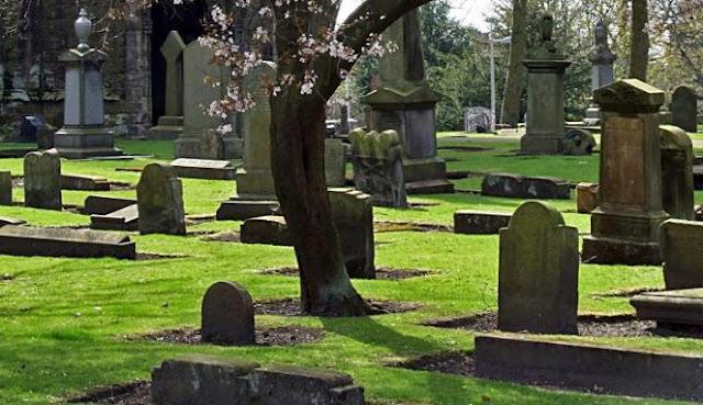 Adzab yang Dilihat Penggali Kubur