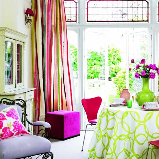 decoracao de sala jovem:Bright and Colorful Living Room Ideas