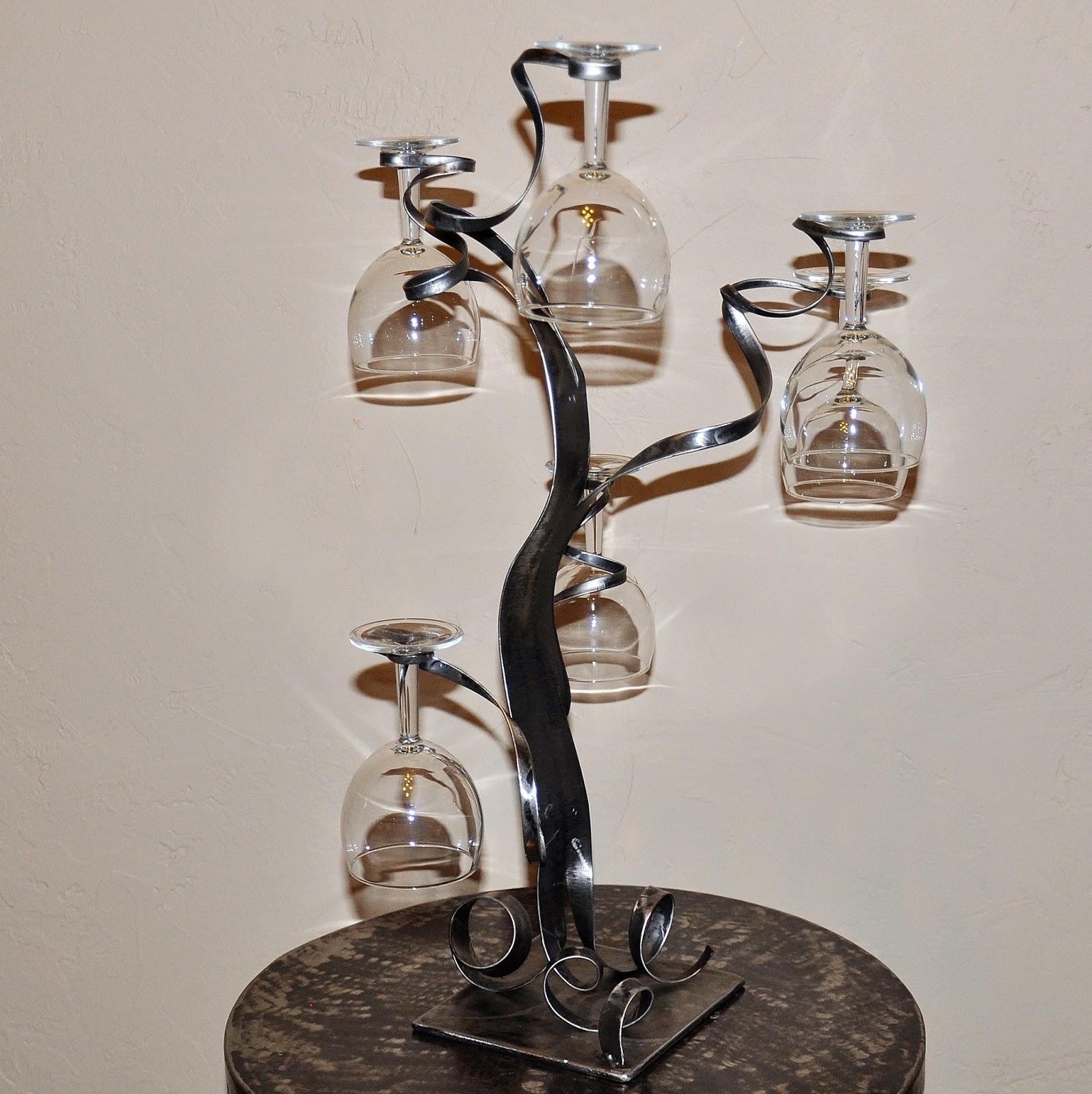 cr ateur d 39 objets d co en fer forg bougeoirs luminaires porte bouteille porte verres en fer. Black Bedroom Furniture Sets. Home Design Ideas