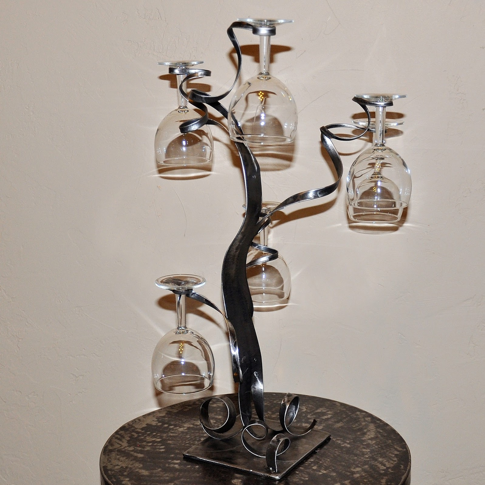 cr ateur d 39 objets d co en fer forg bougeoirs luminaires porte bouteille mai 2013. Black Bedroom Furniture Sets. Home Design Ideas