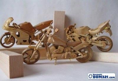 Ukiran Model Motosikal Dari Kayu