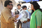 Geethanjali movie working stills-thumbnail-5