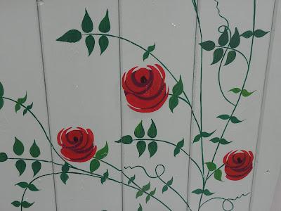 roses chicken coop