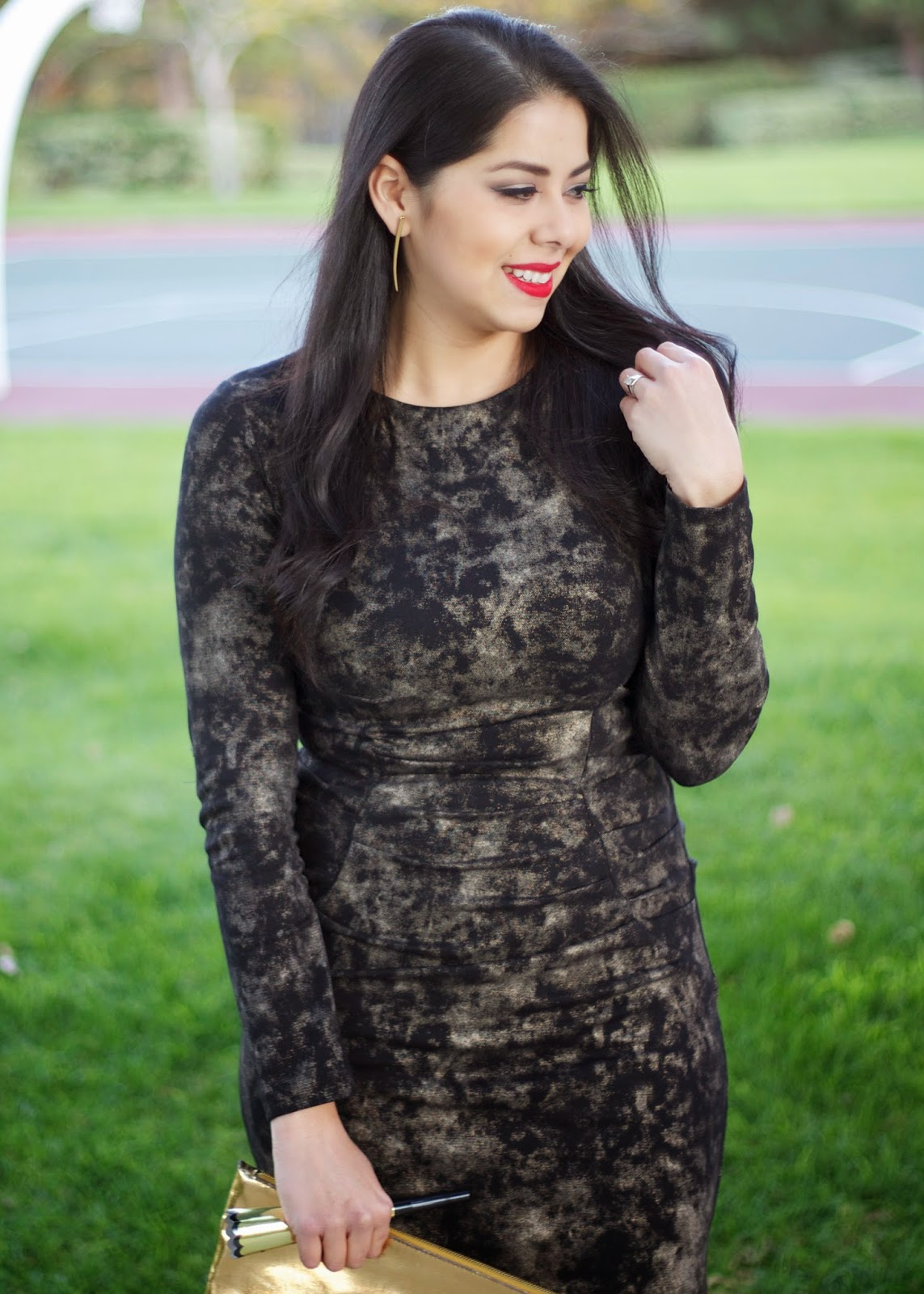 Nicole Miller Dress, Nicole Miller Fashion, NYE Outfit Idea, LBD, little black dress, gold foil dress