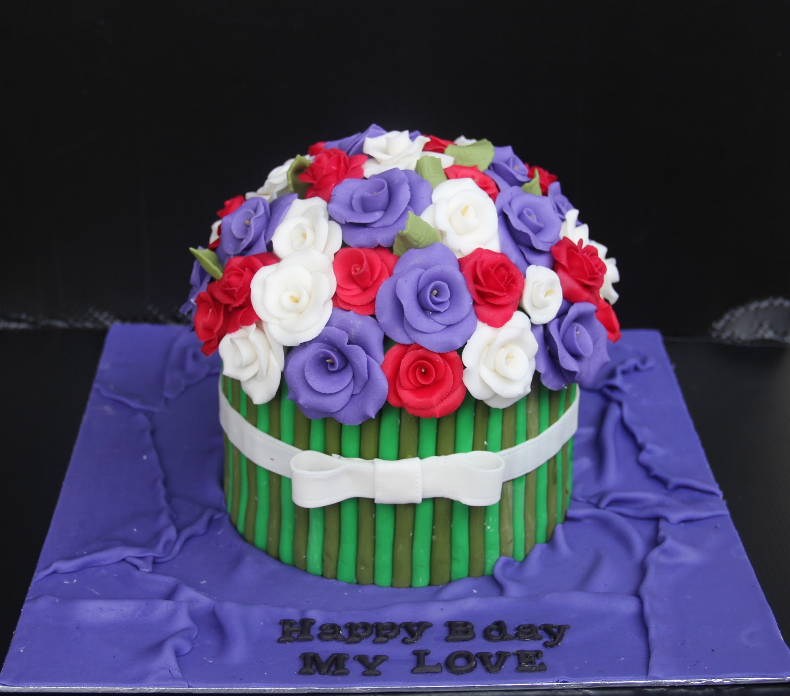 Emas Creation Flower Bouquet Cake