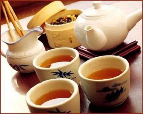 pha trà với hạt methi