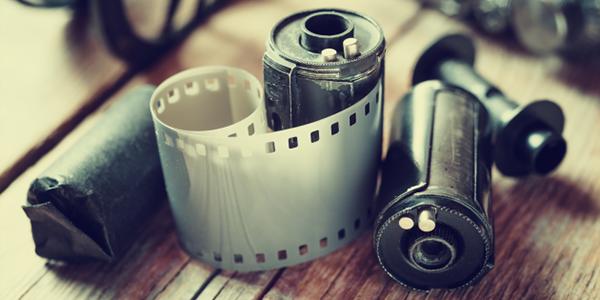 طريقة ذكية وبسيطة لاستخراج الصور من الأفلام الفوتوغرافية القديمة