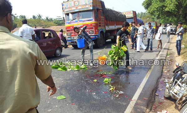 Kasaragod, Accident, Youth, Death, Kerala, Obituary, Abdul Razak, Lorry, Adukathbayal, Marriage, Bullet Bike, Dead-body, General Hospital, Kasargod Vartha, Kerala News, International News, National News, Gulf News, Health News, Educational News, Business News, Stock news, Gold News, Man dies in bike accident, Bambrana, Masjid, Mosque.